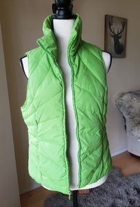 Cozy Kenneth Cole down vest 💚